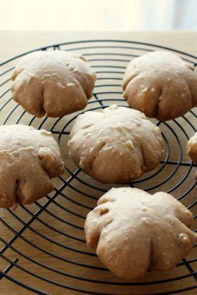Walnut miso bread「【クルミ】くるみ味噌ぱん」 chi- | お菓子・パンのレシピや作り方【corecle*コレクル】