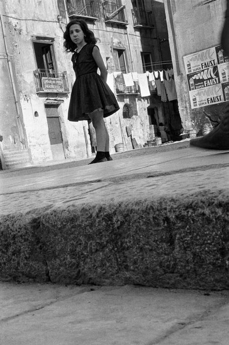 © Sergio Larrain/Magnum Photos ITALY. Sicily. Palermo. Ballaro district. 1959.
