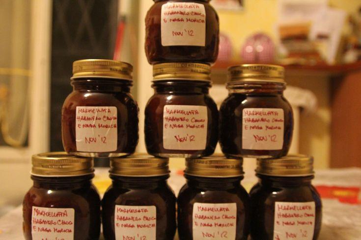 Marmellata di peperoncino da accostare a formaggi e vino rosso: la ricetta della marmellata di habanero e naga morich delizierà chi ama il peperoncino