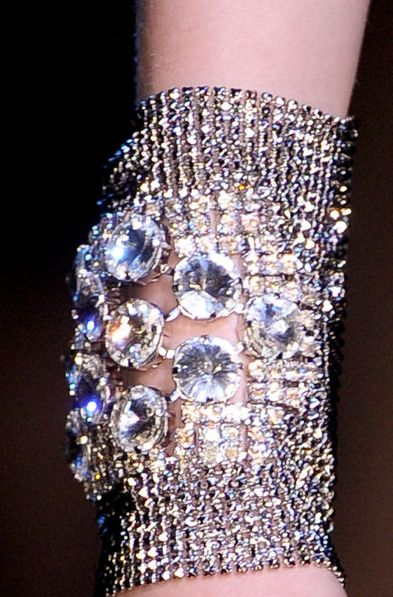 Bracelet        Armani Prive Fall 2012/ ♥-☀¸ღ❤luv: Arm Candy, Diamonds Bracelets, Fashion Clothing, Bracelets Armani, Blue Diamonds, Fall 2012, Fall Fashion, Armani Concerns, Prive Fall