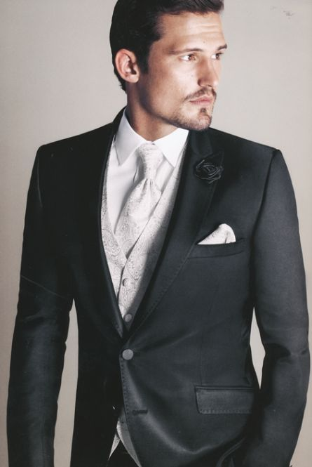 Ein Hochzeitsanzug nach Eigenmaß, auf das Sie wie ein wahrer Prinz bei der Hochzeit auftreten. http://www.the-big-gentleman-club.com/kent-shark-hochzeitanzug-massanzug-baukastenanzug-nach-mass-aus-schurwolle-xxl-uebergroesse.html