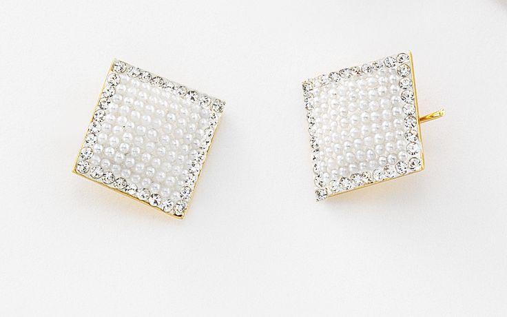 Joyería con 4 baños de oro de 18 kilates, perlas y piedras de cristal.