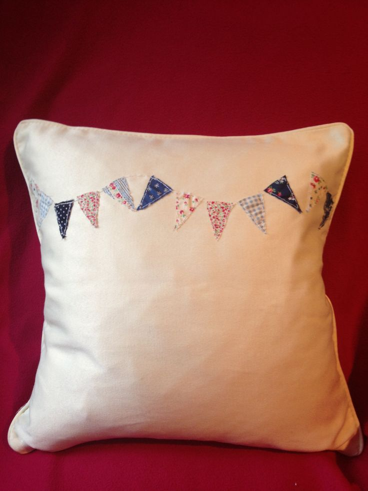 My pretty bunting cushion cover I made.
