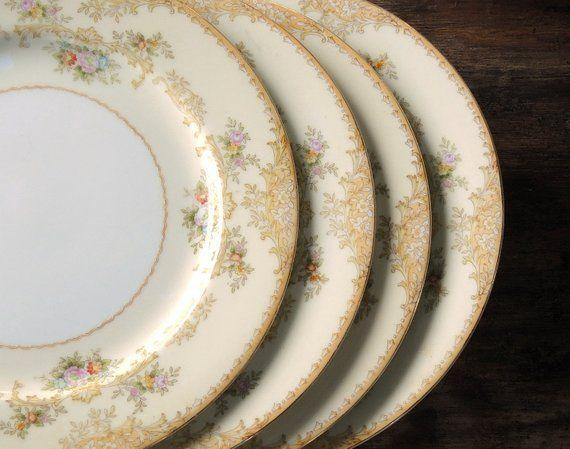 ON SALE Noritake Dinner Plates Set of 4 Vintage Dinner Plates Hand Painted Green M Wreath Morimura Brothers