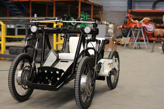 Développé pour permettre aux personnes handicapées ou privées de leur autonomie de pratiquer des loisirs sur les chemins accidentés, le Mobile Dream est le premier quadricycle de ce type à être homologué par le Cérah (Centre d'étude et de recherche de l'appareillage de l'handicap).