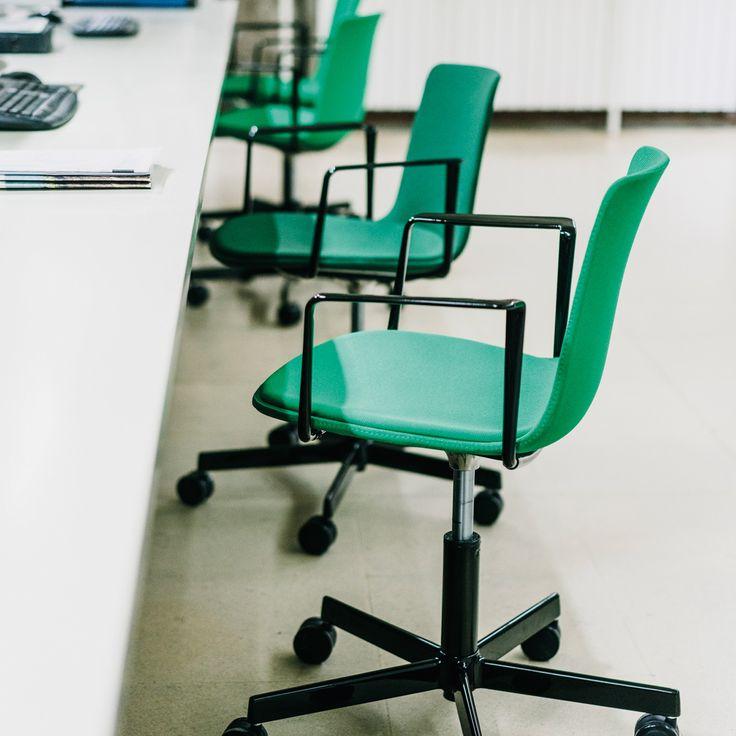 Lottus Task Chair designed by Lievore Altherr Molina for Enea | Office design, decor, interior design, designer furniture, task, conference, castor, armchair
