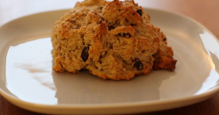 Jeg er en stor fan av grove scones som de baker på Åpent Bakeri. Så fikk jeg høre at en venninne hadde oppskriften *LYKKE* (Takk, Line!) De ...