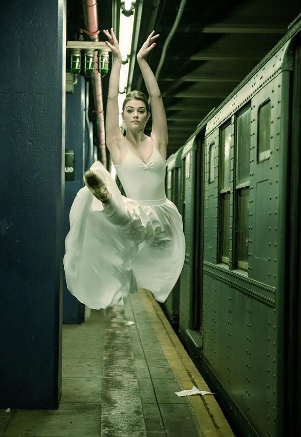 A ballerina photographed in New York by Luis Pons.