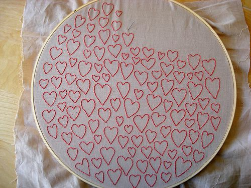 embroidered heartsCrafty Stuff, Embroidery Floss, Crosses Stitches Red, Diy Aesthetic, Valentine Embroidery, Art Ideas, Christmas Ideas, Embroidered Heart, Crafts