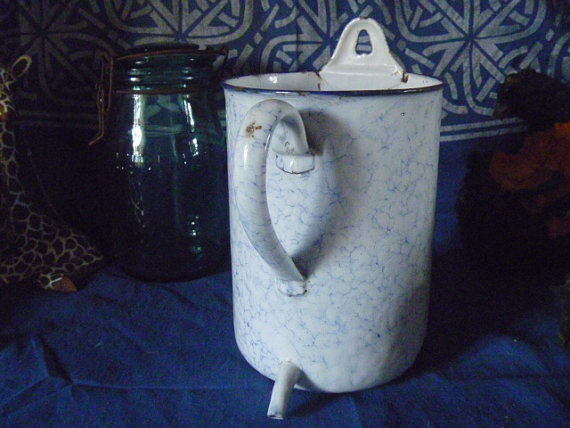 French  Enamel Measuring Jug  Farmhouse Find by JanniesJunkandJems, €18.00