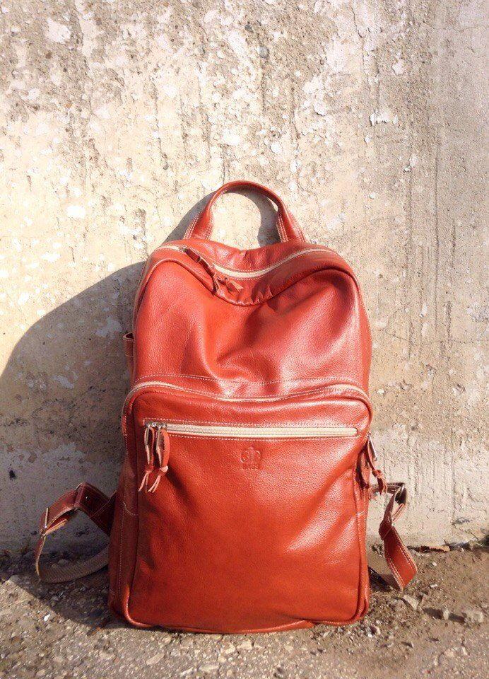 8500 Р Большой рюкзак из натуральной кожи