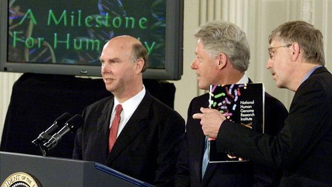 Dr Craig Venter, President Bill Clinton and Dr Francis Collins announce the completion of the initial sequencing of the human genome.