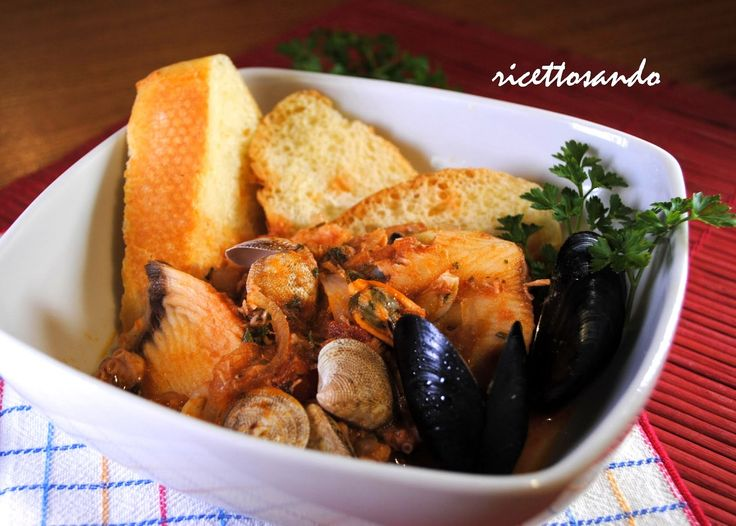 Zuppa di pesce caciucco. #ricetta di @luisellablog