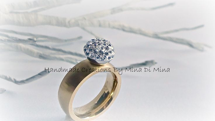 F/W '14-'15 new new new  ....ατσάλινα δαχτυλίδια με κρύσταλλα swarovski σε διάφορα σχήματα,χρώματα αλλά και μεγέθη....