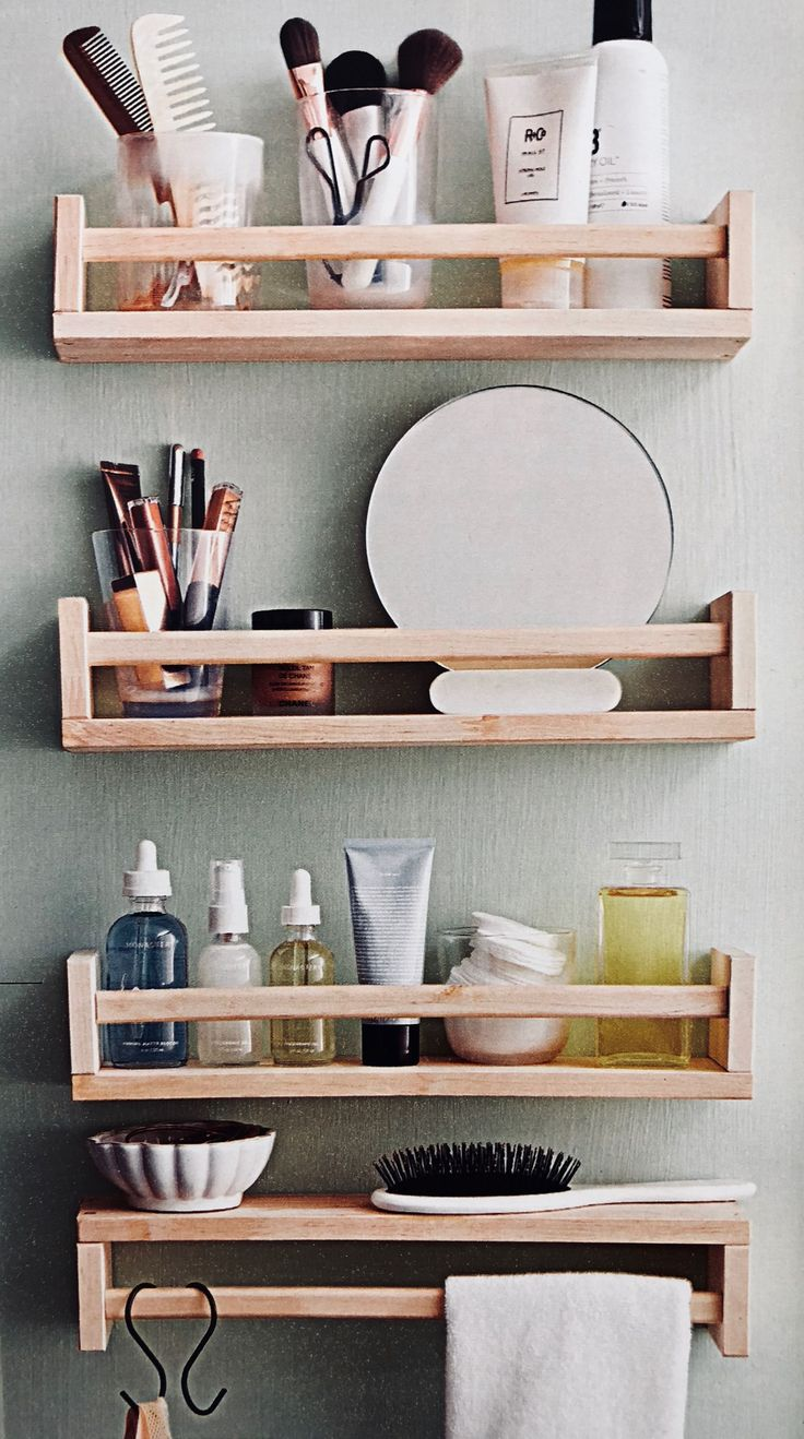Finding storage expose in a small bathroom doesn't have to be a chore. These attractive and useful shelf ideas are absolute for any size space. #bathr...