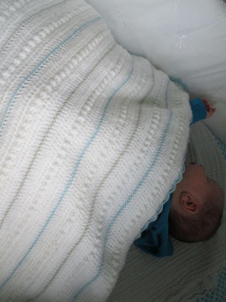 #haken #babydeken #crochet #baby #deken. Gratis patroon vind je hier: http://karinaandehaak.blogspot.nl/2013/02/babydekentje-patroon.html