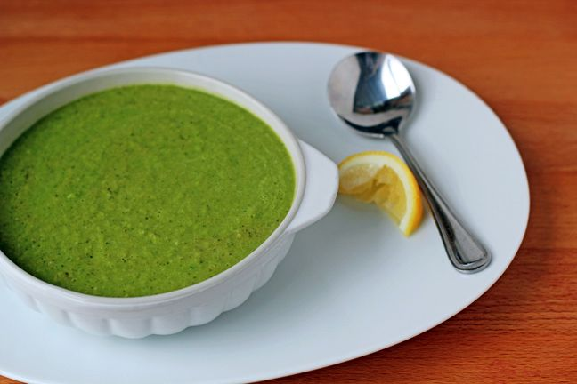 Creamy Broccoli and Kale Soup Recipe. Vegetarian, vegan, and gluten-free. The perfect healthy lunch or dinner!