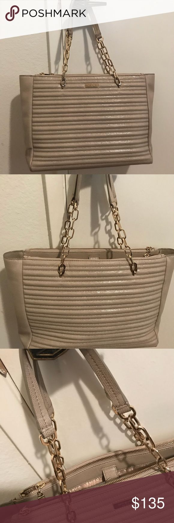 """KATE SPADE LEATHER NEW W/OUT TAGS TOTE BAG KATE SPADE BEIGE TOTE BAG WITH DOUBLE STRAND CHAIN AND LEATHER HANDLE  COW LEATHER EXTERIOR  POLYESTER LINING GOLD-TONE HARDWARE  HAS FOUR BOTTOM PROTECTORS  THE LEATHER IS SEMI PATENT  LOTS OF COMPARTMENTS W/ZIPPER AND W/O ZIPPERED AND MAGNETIC CLOSURE  H 11"""" L 13.5 D 4.5-5.5  HANDLE DROP IS 22.5 APPROXIMATE MEASUREMENTS  100% AUTHENTIC kate spade Bags Totes"""