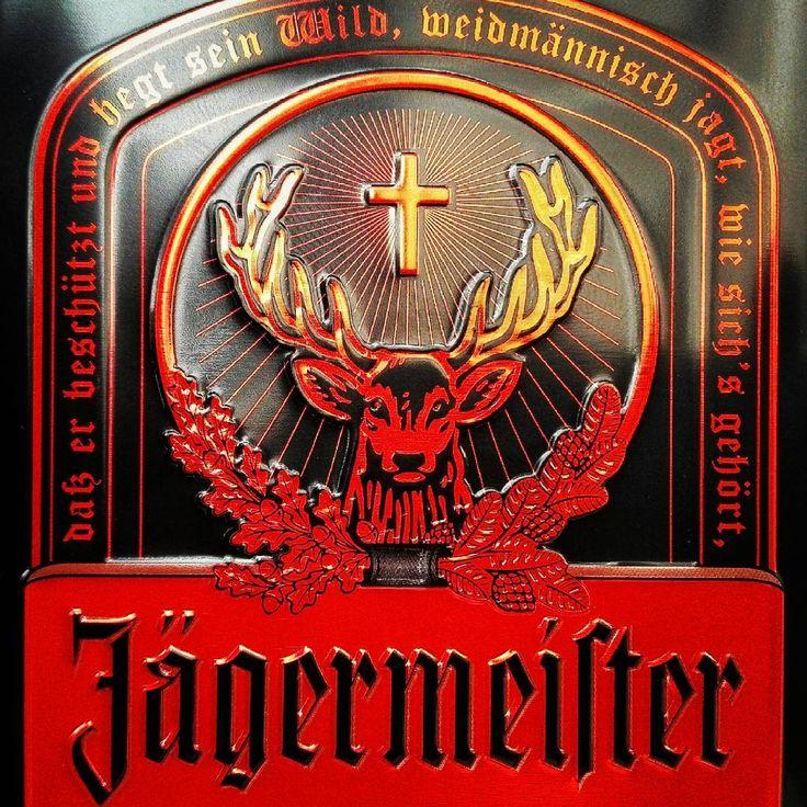 lecker... 🍷#feierabend . . . . . . .  #jägermeister #wolfenbüttel #35% #karlsruhe #karlsruhetweets #igerskarlsruhe #liquor #madeingermany #niedersachsen #drink #drunken #huaweip8lite #tincan #naturheilkunde #kräuter #herbs #stag #cross #deutschland #schwarzrotgold @jagermeister #jagermeister #jagerfriends
