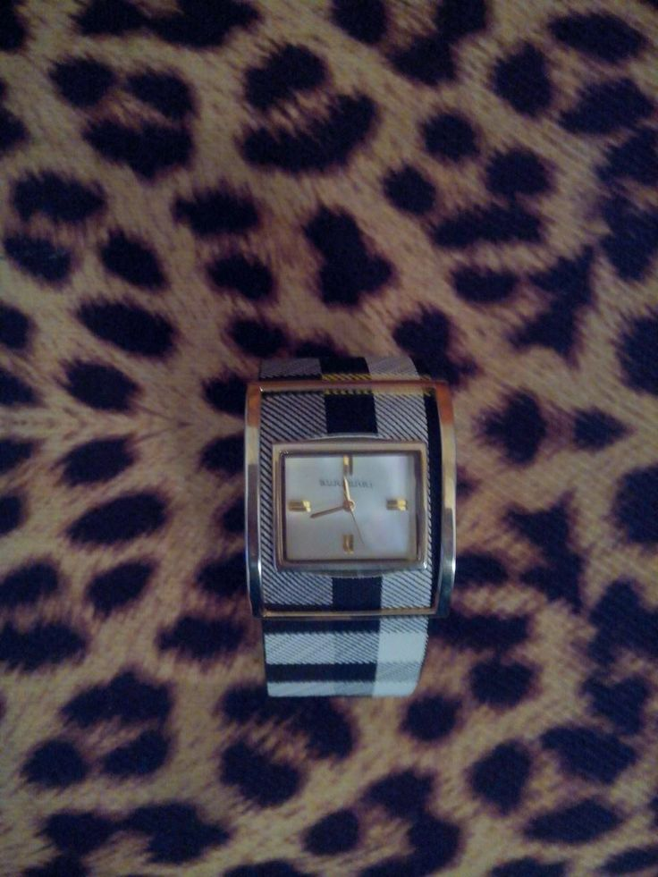 Ogni promessa è debito! Omaggio alla trasparenza: orologio Burberry tarocco certificato! Chic e non si è mai impegnato!