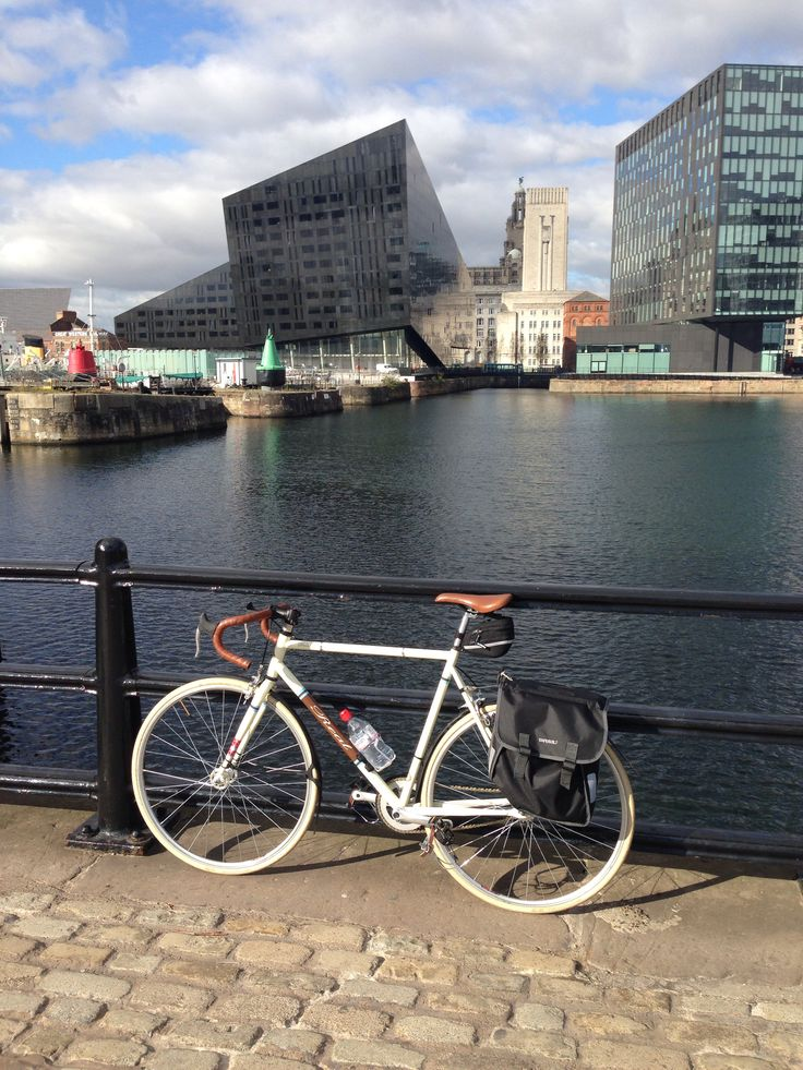 Just to prove Bertrand the el-cheapo fixie has been around the block, here he is at the Royal Albert Dock in Liverpool, England. 16,000 miles away from his current haunt.