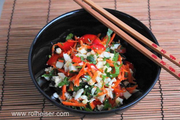 Сыроедческий салат из цветной капусты фото