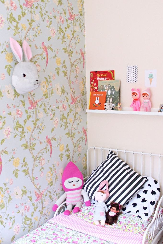 chambres d 39 enfants des oiseaux sur les murs marie daily. Black Bedroom Furniture Sets. Home Design Ideas