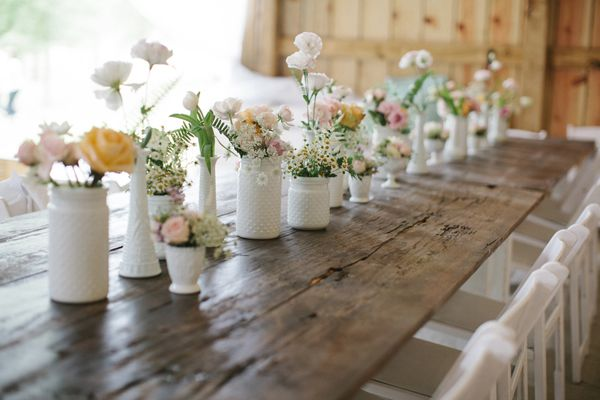 milk glass + farm tables | Leslie Hollingsworth #wedding