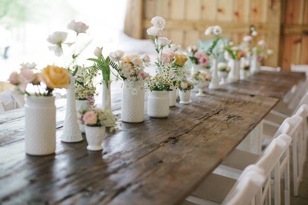 milk glass + farm tables | Leslie Hollingsworth #wedding