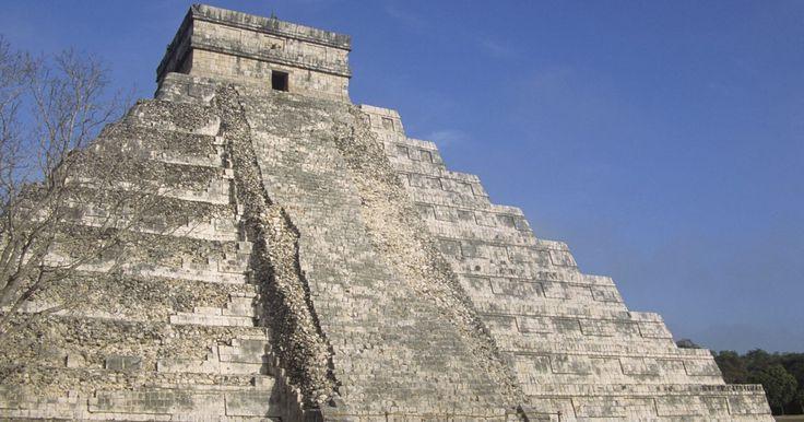 Cómo leer el calendario maya. La civilización maya floreció en lo que hoy es el sur de México y en países como Guatemala y Belice. Con observatorios en muchas de sus ciudades, los mayas utilizaban la astronomía y las matemáticas para desarrollar un sistema de calendario complicado. La clase sacerdotal gobernante utilizó este sistema de calendario para regular la vida de la ...