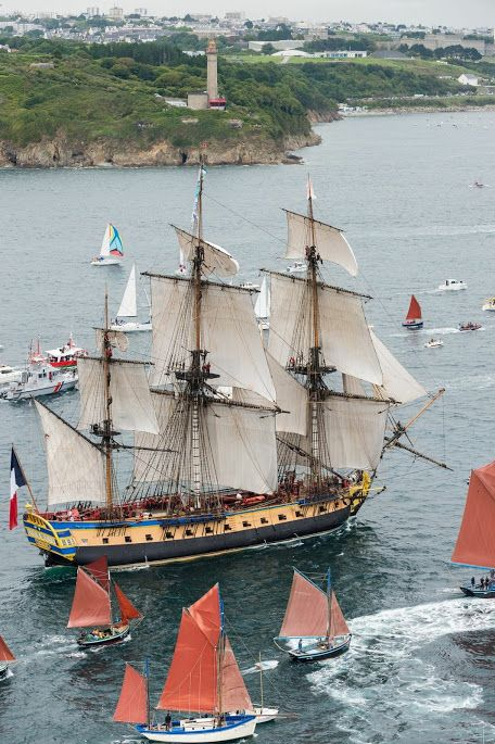 Tall Ship wow to be able to sail close to this ship would take my breath away…
