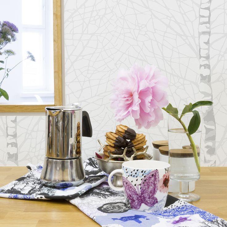 Vallila Leijonapalmu kitchen accessories & Vallila Koivikko wallpaper