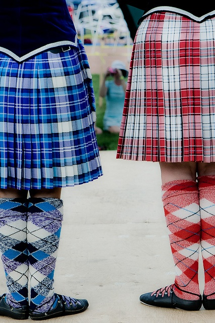 On the right - kilt with black jacket from the waist down from the back #macrae #red #tartan