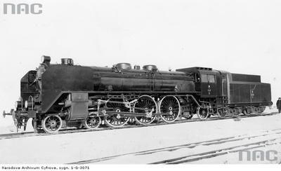 Parowóz pośpieszny serii Pm 36 wykonany w Fabryce Lokomotyw w Chrzanowie 1939rok