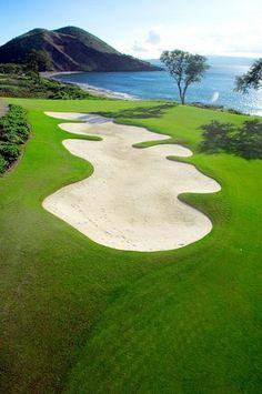 Makena Beach and Golf Resort in Maui Hawaii #GolfCourseoftheDay I Rock Bottom Golf #rockbottomgolf