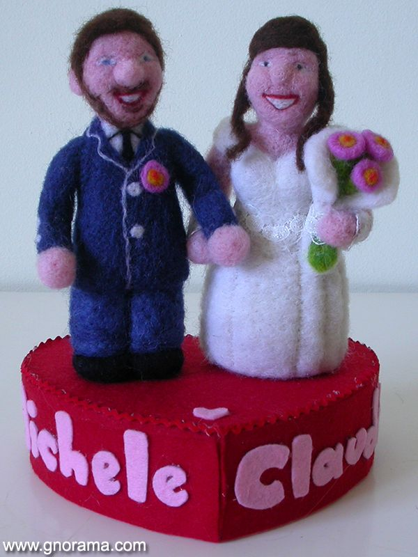 Customized cake topper made for the wedding of Claudia e Michele! Congratulations! ❤ #wedding #caketopper #spouses #feltedwool #gnorama