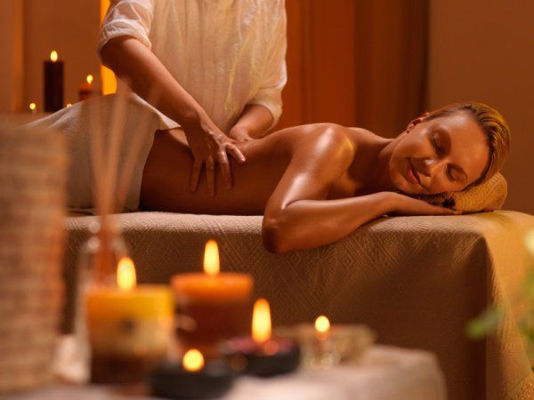 #Massaggio all'olio di mandorle dolci. #Benessere a Borgobrufa
