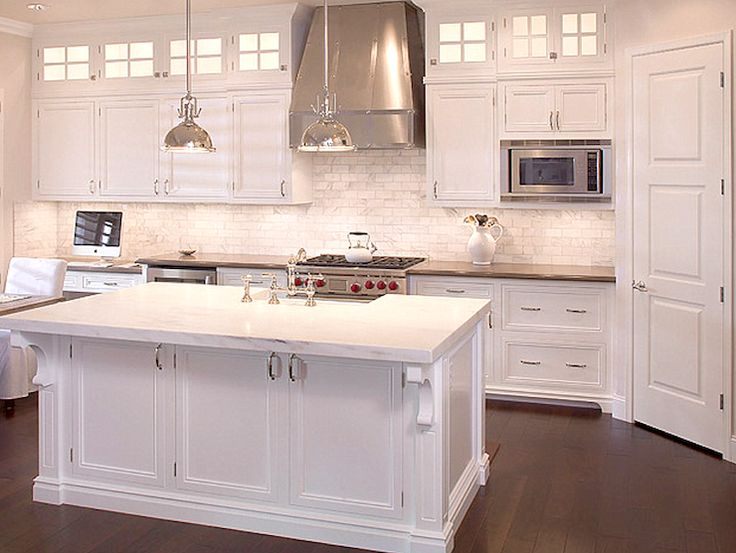 Crisp White Kitchen Design With Viking Range With Stainless Steel Kitchen  Hood And Restoration Hardware Harmon