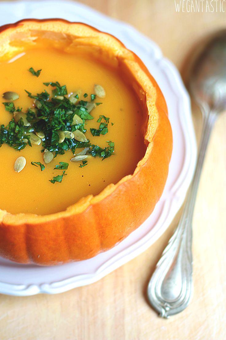 Rozgrzewająca zupa krem z dyni.