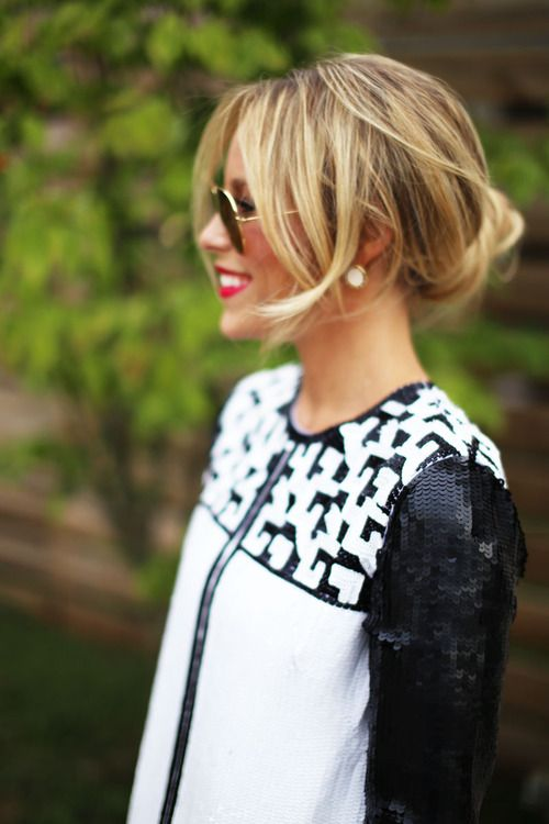 Black, white, red lips, sequins. Love this look.