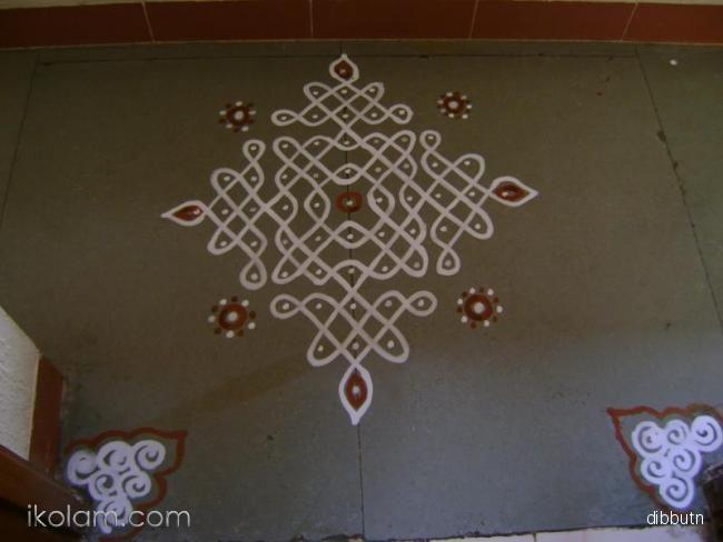 http://www.ikolam.com/rangoli/small-chiku-kolam