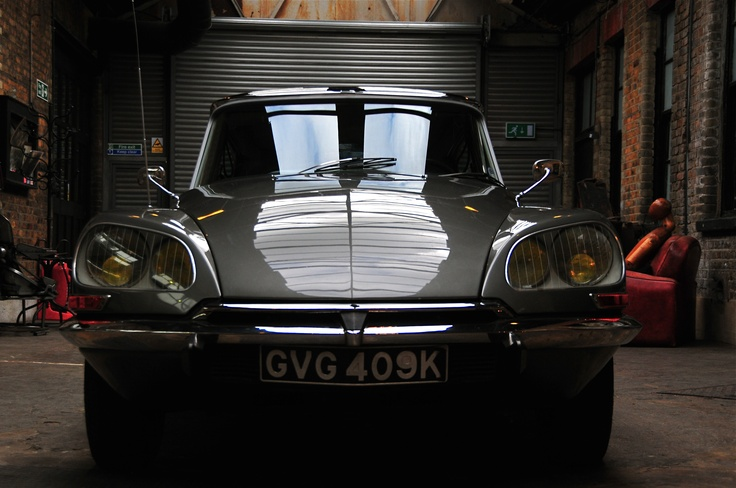 top 21 ideas about citroen ds on pinterest cars citroen ds and inventions. Black Bedroom Furniture Sets. Home Design Ideas