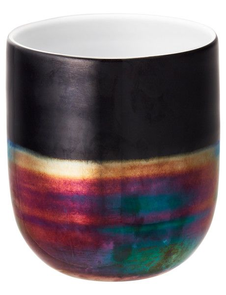 The multi-coloured metallic effect on this Tilly@home Eclipse Vase will make it a lovely centre-piece for your home decor collection. Available in both 29cm and 16cm sizes (each sold separately).