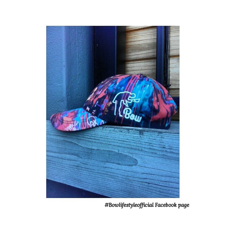 The graphic cap design to finish up any denim outfits for any type of day.