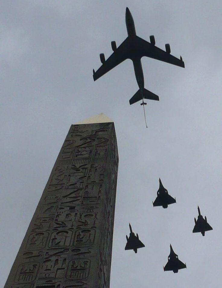 Défilé aérien du 14-Juillet, vu du pied de l'Obélisque - Défilé militaire du 14 Juillet — Wikipédia