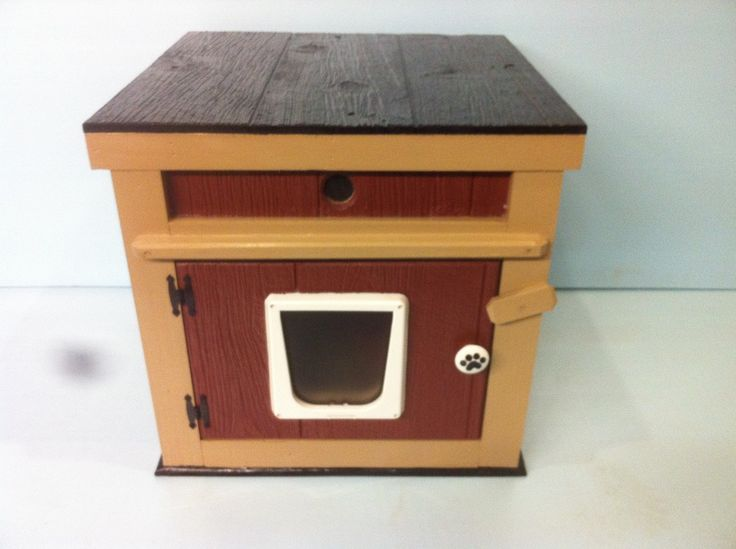 Large outdoor cat house with 2 doors, Cedar interior and Ceramic Heat Emitter