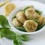 Polpette di pollo, spinacino e feta al limone