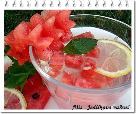 Jedlíkovo vaření: Melounovo-meduňková limonáda