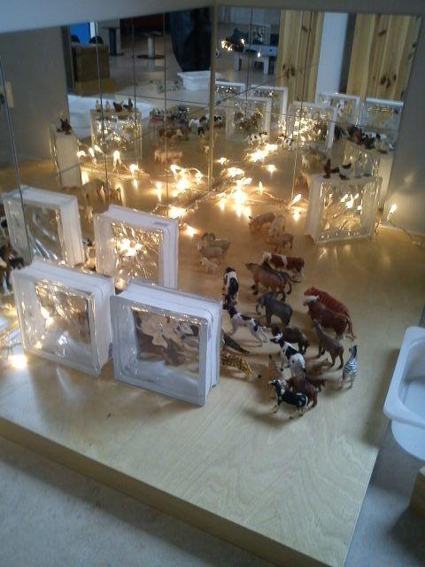 Wow... mirrors, glass blocks, lights & small world