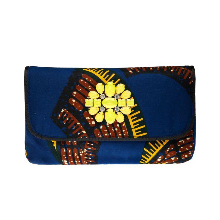 DOREEN MASHIKA – Bahati Blue sac en wax porté épaule